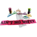 TMD Holdings Aint No Wifey Party Kit, Pink